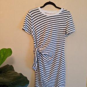 Gap Short Sleeve Twist-Knot Midi Dress